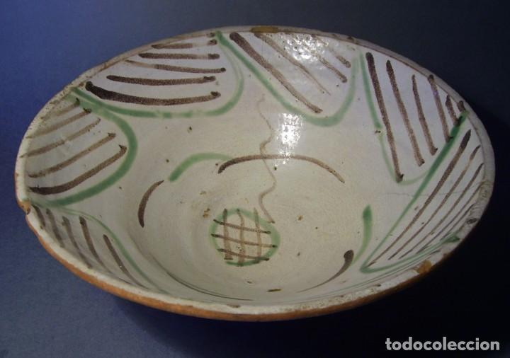 Antigüedades: GRAN Y ROTUNDO PLATO-CUENCO DE CERÁMICA ARAGONESA DE TERUEL XIX - Foto 13 - 132533730