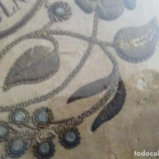 Antigüedades: BORDADO EN CORDÓN ORO Y PEDRERÍA 1840-1860. Lote 132555314