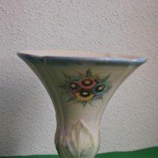 Antigüedades: JARRÓN DE CERÁMICA DE MANISES - VIDILER - AÑOS 20-30 - FLORERO. Lote 132560930