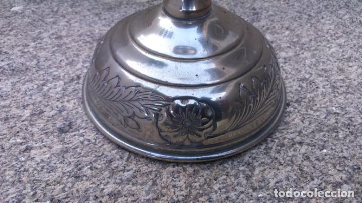 Antigüedades: Portavelas candelabro, en metal polido - Foto 6 - 132561090
