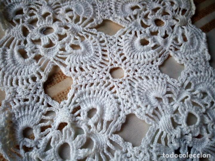 Antigüedades: Lote de 2 tapetes de algodón hechos a ganchillo. - Foto 3 - 132611122
