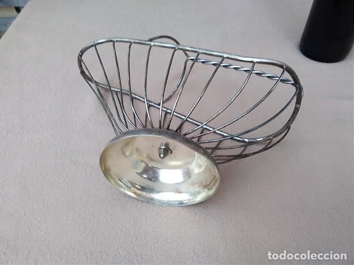 Antigüedades: Rústico soporte para adornar mesa de comidas o exposición de vinos (silver plate Italia) en la base. - Foto 6 - 132621810