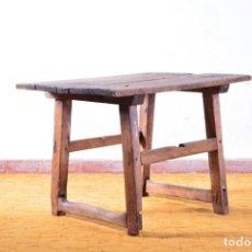 Antiquitäten - Mesa tocinera pequeña - Madera de pino rústica antigua - Mesa de pueblo, casa rural - 132678634