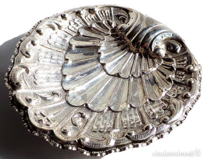 Antigüedades: PRECIOSO PLATITO EN FORMA DE CONCHA DE PLATA DE LEY CONTRASTADA 162 GR. 23,5 X 22 CM - Foto 3 - 132722202