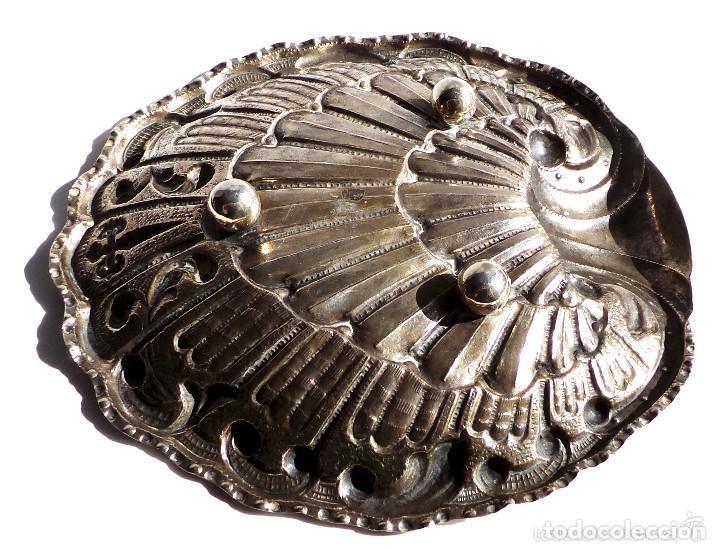 Antigüedades: PRECIOSO PLATITO EN FORMA DE CONCHA DE PLATA DE LEY CONTRASTADA 162 GR. 23,5 X 22 CM - Foto 4 - 132722202