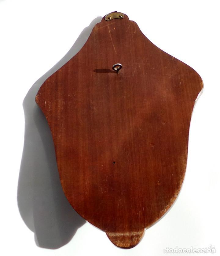 Antigüedades: BENDITERA DE PLATA CON MARCO DE MADERA 20 X 13,5 CM - Foto 4 - 132722350