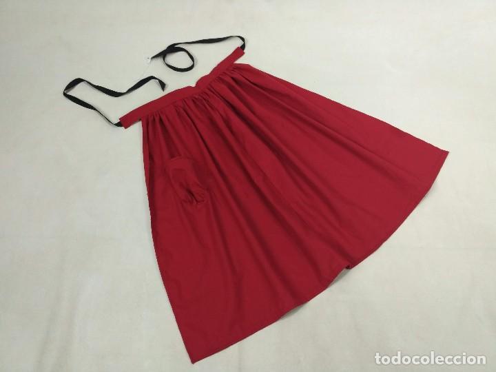Antigüedades: Delantal de algodón, rojo. - Foto 4 - 132735742