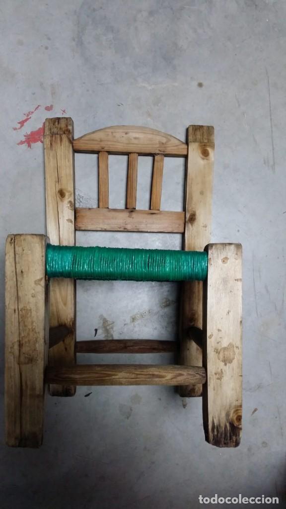 Antigüedades: pequeña silla de madera - Foto 2 - 132740994