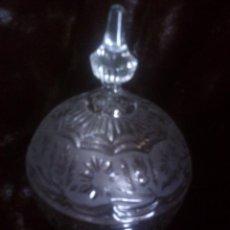 Antigüedades: GRAN BOMBONERA - CARAMELERA CRISTAL TALLADO CARTAGENA. MUY EFECTISTA Y DECORATIVA. Lote 132762090