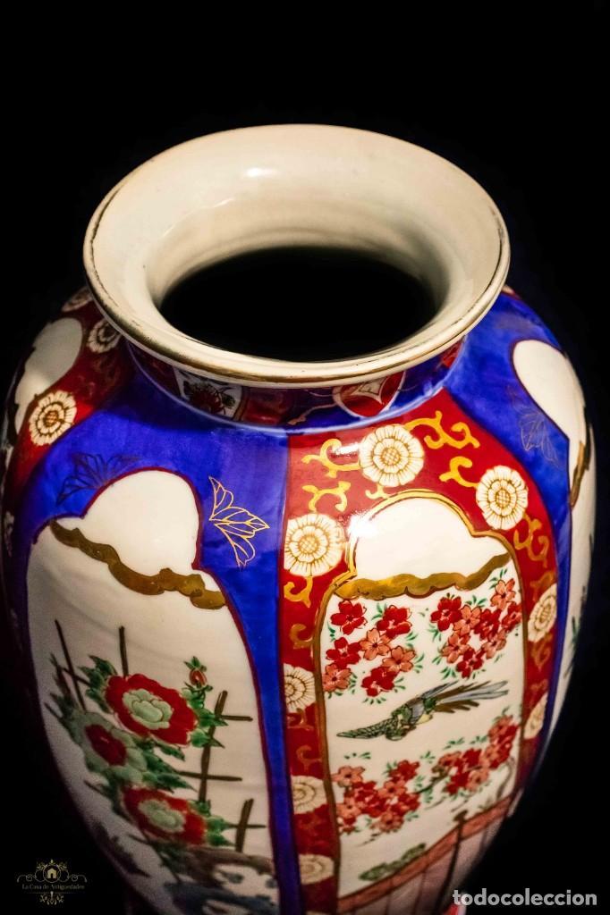 Antigüedades: ESPECTACULAR FLORERO IMARI, DE MUY GRAN TAMAÑO, PORCELANA JAPONESA - Foto 3 - 132763746