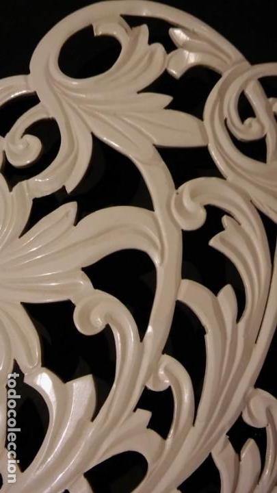 Antigüedades: PEINETA TALLADA / CALADA A MANO, COLOR BLANCO, ORIGINAL ÉPOCA MODERNISTA, ANTIGUA S XX - Foto 7 - 202706161