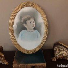 Antigüedades: ANTIGUO MARCO CUADRO FOTO COLOREADA NIÑO NIÑA MADERA EN DORADO MED. 45 X 35 CM. Lote 132787974