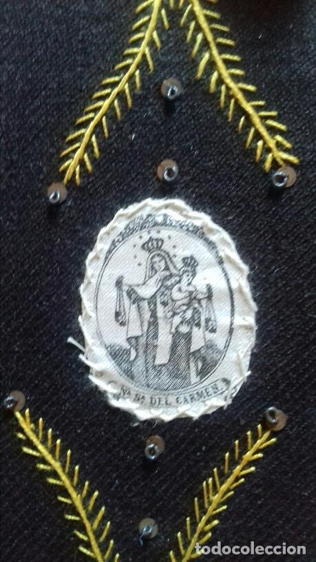 Antigüedades: PRECIOSO ESCAPULARIO VIRGEN DEL CARMEN. S.XiX BORDADO A MANO.IMAGEN SEDA SERIGRAFIADA.12X15 CMS - Foto 2 - 132813766