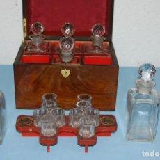 Antigüedades: CAJA LICORERO CAJA MADERA DE 1840 APROXIMADAMENTE. Lote 132897330