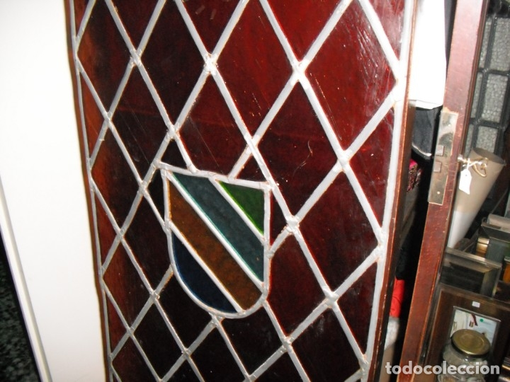Antigüedades: Antigua vidriera emplomada con escudo. Medida: 35 x 1,43 cms. - Foto 2 - 38852580