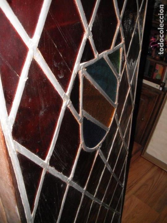 Antigüedades: Antigua vidriera emplomada con escudo. Medida: 35 x 1,43 cms. - Foto 4 - 38852580