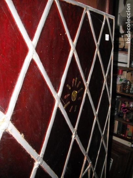 Antigüedades: Antigua vidriera emplomada con escudo. Medida: 35 x 1,43 cms. - Foto 5 - 38852580