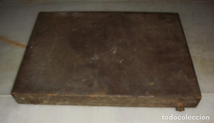 Antigüedades: Juego de cubiertos antiguos. Mango de plata .800 ml. 6 tenedores y 6 cuchillos. Estuche original. - Foto 2 - 132985834