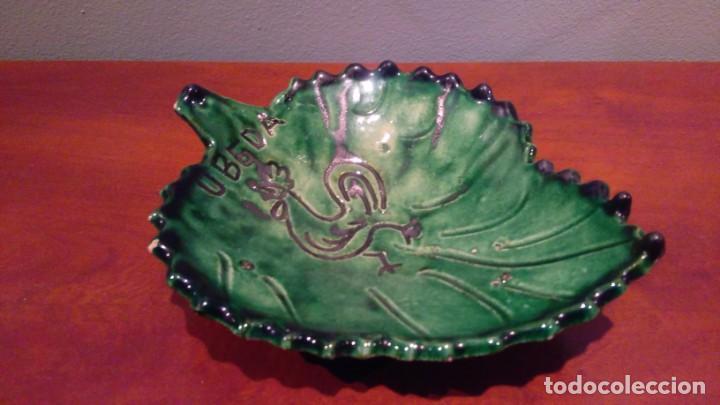 CERAMICA UBEDA PLATO EN FORMA DE HOJA (Antigüedades - Porcelanas y Cerámicas - Úbeda)