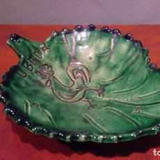 Antigüedades: CERAMICA UBEDA PLATO EN FORMA DE HOJA. Lote 132994998
