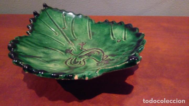 Antigüedades: CERAMICA UBEDA PLATO EN FORMA DE HOJA - Foto 3 - 132994998