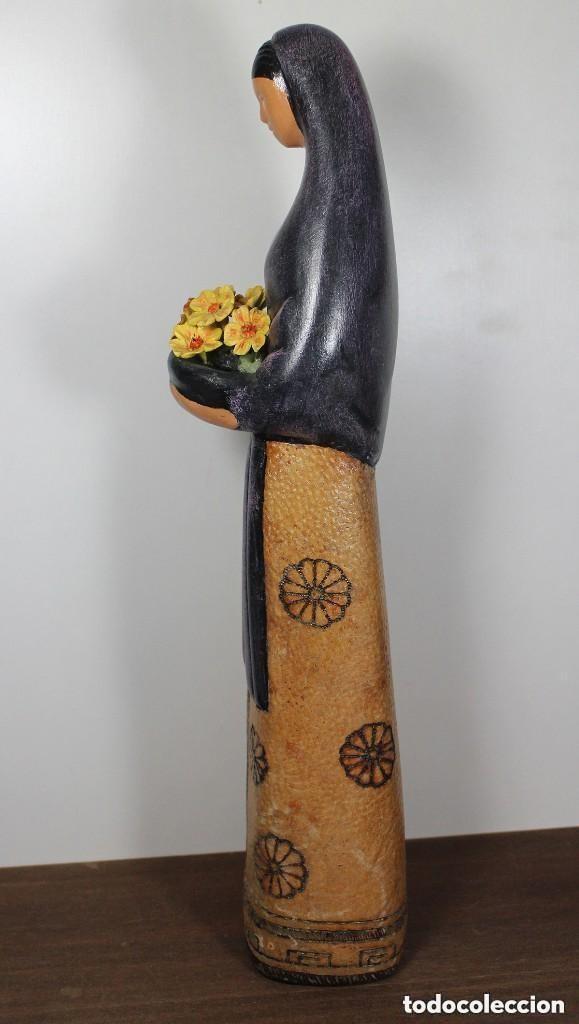 Antigüedades: Figura de cerámica - Mujer con flores - Foto 2 - 133008338