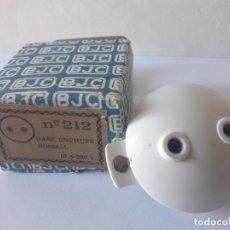 Antigüedades: ANTIGUO BASE DE ENCHUFE NORMAS BJC / Nº 212/ ¡¡¡¡NUEVO!!!! ORIGINAL AÑOS 60. Lote 133016554