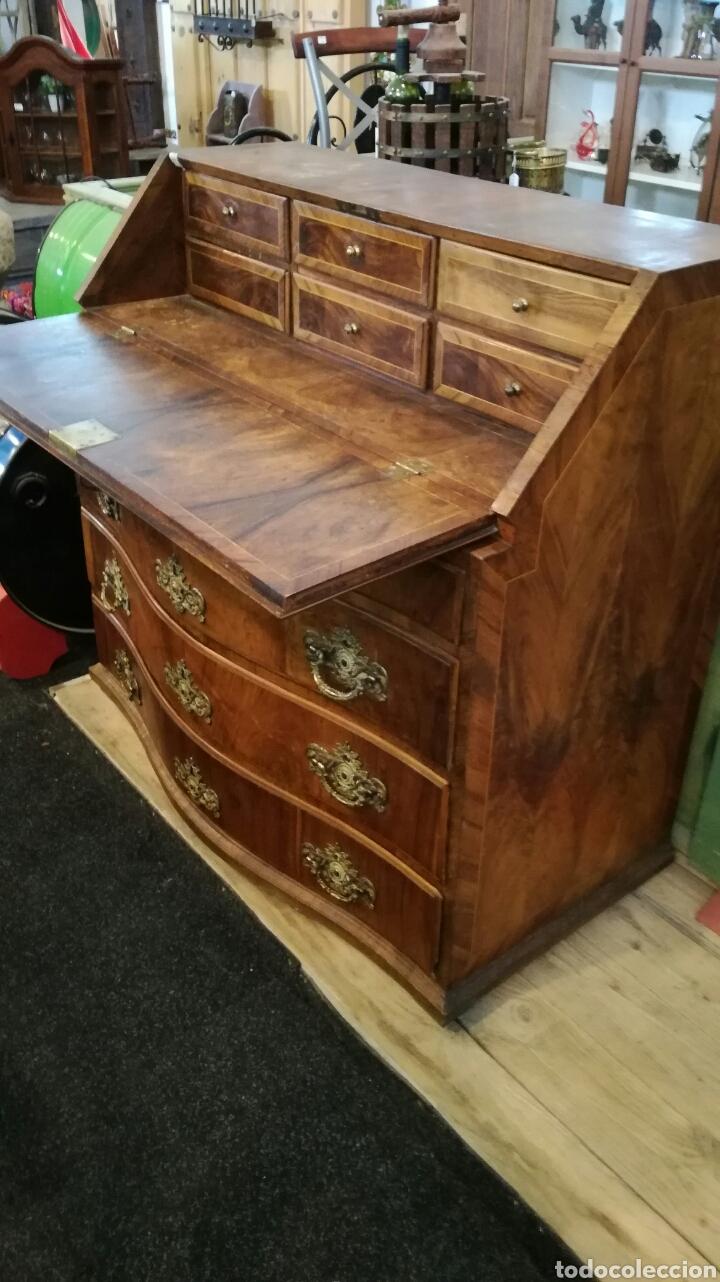 Antigüedades: Comoda escritorio con secreter de nogal siglo XVIII - Foto 2 - 133022665