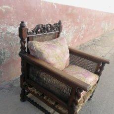 Antigüedades: CONJUNTO COLONIAL DE DOS SILLONES Y BANCA CON COGINES. Lote 133079470