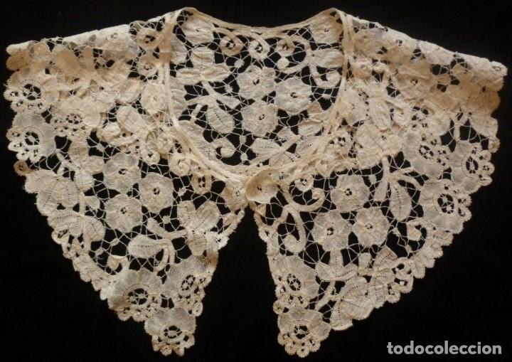 ANTIGUA CAPELINA DE ENCAJE DUQUESA BRUSELAS . XIX (Antigüedades - Moda - Encajes)