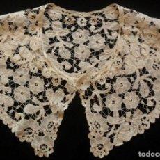 Antigüedades: ANTIGUA CAPELINA DE ENCAJE DUQUESA BRUSELAS . XIX. Lote 180252958