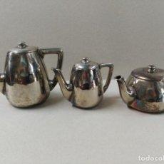 Antigüedades: JUEGO DE CAFE / TE METAL PLATEADO 3 PIEZAS. Lote 133147642