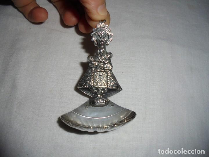 Antigüedades: ANTIGUA BENDITERA DE PLATA VIRGEN DE COVADONGA CUÑOS - Foto 2 - 133154086