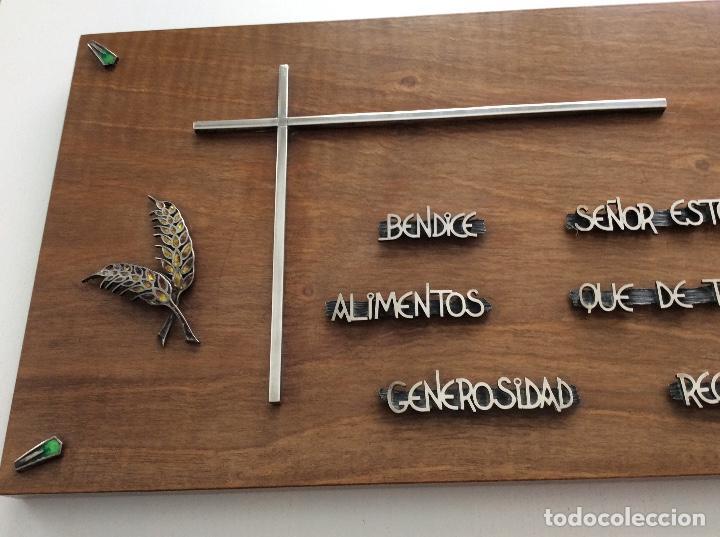Antigüedades: ÚNICA! Frase de madera noble con frase para bendecir la mesa plata de ley adornos de esmalte y plata - Foto 4 - 133158166