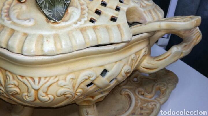Antigüedades: Sopera muy bonita completa y en buen estado - Foto 3 - 133201413