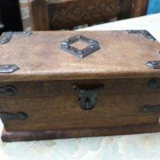 Antigüedades: CAJA - ARQUETA - ARQUILLA. ANTIGUA TIPO JOYERO. Lote 133246586