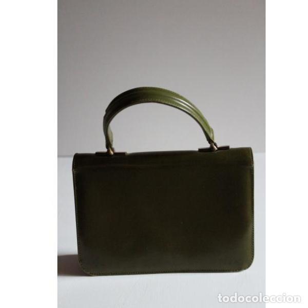 Antigüedades: Antiguo bolso de piel color verde - Foto 2 - 133249842