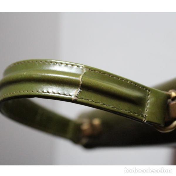 Antigüedades: Antiguo bolso de piel color verde - Foto 3 - 133249842