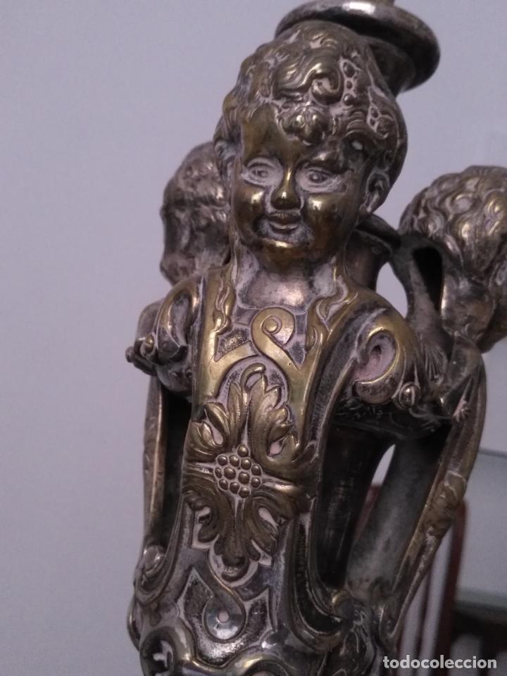 Antigüedades: muy grande lampara araña 8 brazos bronce macizo baño plata 3 esculturas angeles o niños jesus - lee - Foto 6 - 133251570