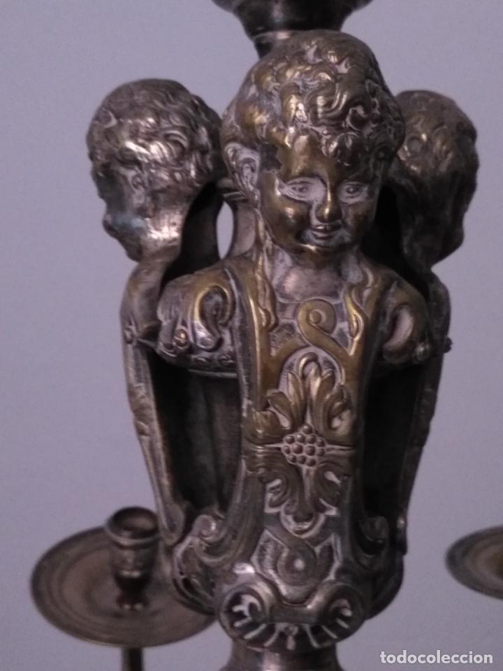 Antigüedades: muy grande lampara araña 8 brazos bronce macizo baño plata 3 esculturas angeles o niños jesus - lee - Foto 8 - 133251570