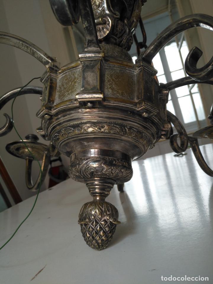 Antigüedades: muy grande lampara araña 8 brazos bronce macizo baño plata 3 esculturas angeles o niños jesus - lee - Foto 11 - 133251570