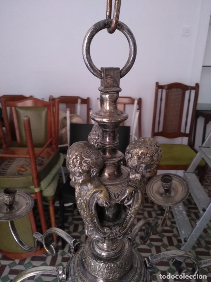 Antigüedades: muy grande lampara araña 8 brazos bronce macizo baño plata 3 esculturas angeles o niños jesus - lee - Foto 26 - 133251570