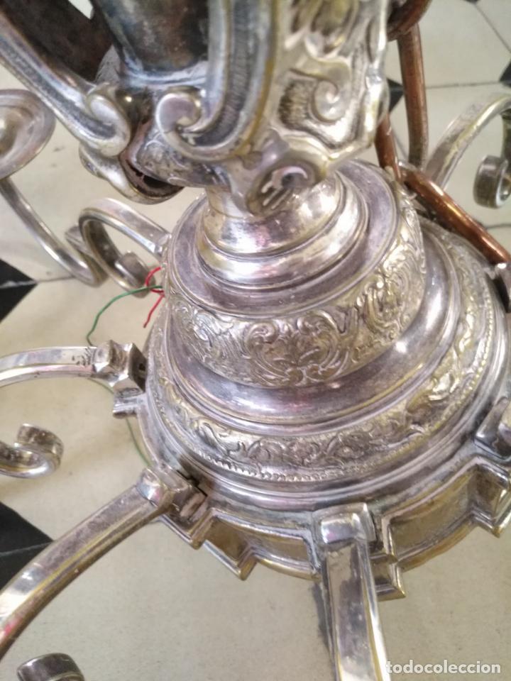 Antigüedades: muy grande lampara araña 8 brazos bronce macizo baño plata 3 esculturas angeles o niños jesus - lee - Foto 39 - 133251570