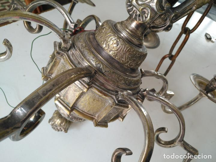 Antigüedades: muy grande lampara araña 8 brazos bronce macizo baño plata 3 esculturas angeles o niños jesus - lee - Foto 46 - 133251570
