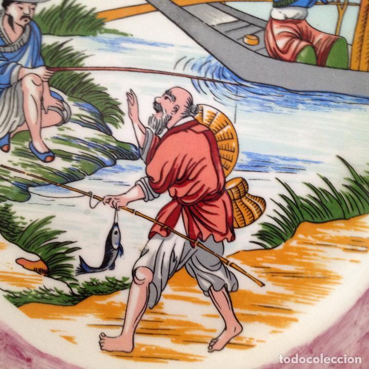 Antigüedades: PLATO PINTADO A MANO ESCENA ALGUN PAIS DE ASIA - Foto 5 - 133281574