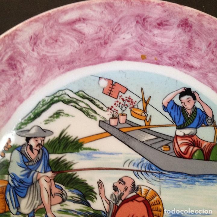 Antigüedades: PLATO PINTADO A MANO ESCENA ALGUN PAIS DE ASIA - Foto 7 - 133281574