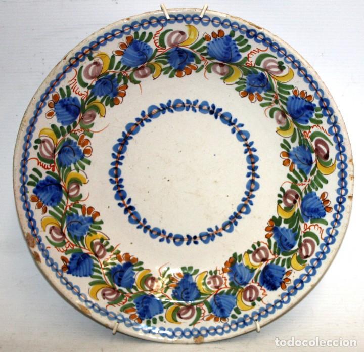 ANTIGUO PLATO DE RIBESALBES DEL SIGLO XIX. MARCAS EN LA BASE. MANISES (Antigüedades - Porcelanas y Cerámicas - Ribesalbes)