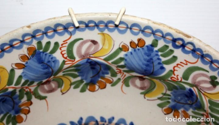 Antigüedades: ANTIGUO PLATO DE RIBESALBES DEL SIGLO XIX. MARCAS EN LA BASE. MANISES - Foto 3 - 133307946