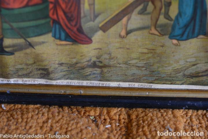 Antigüedades: Cuadro con lámina a color de Vía Crucis - Escena religiosa, Cristo con la Cruz, crucifixión - Foto 4 - 133309078