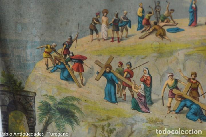 Antigüedades: Cuadro con lámina a color de Vía Crucis - Escena religiosa, Cristo con la Cruz, crucifixión - Foto 6 - 133309078